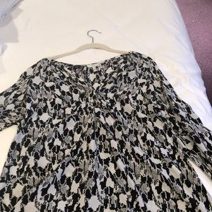 Joie Tops - Beautiful A-line, silky Joie  3/4 sleeve top